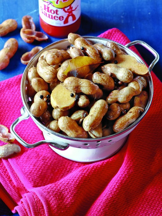 Hot-Spiced-Boiled-Peanuts-767x1024