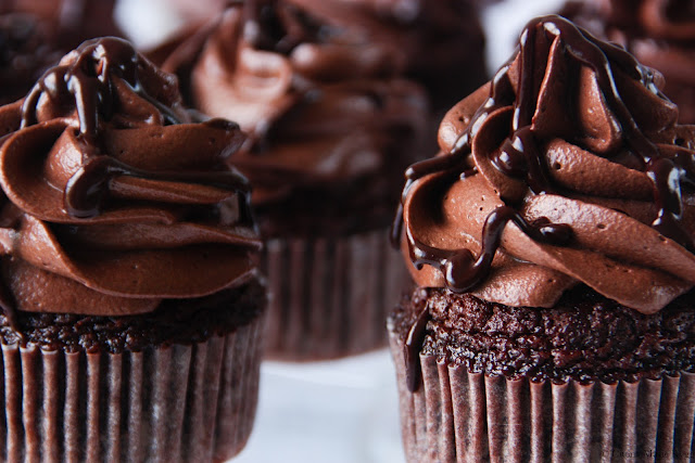 Death-by-Chocolate-Cupcakes