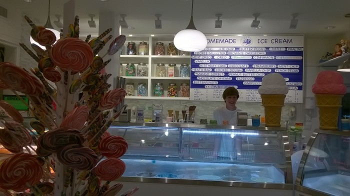 hilton head ice cream sam interior
