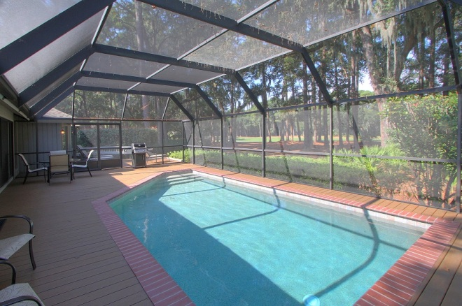 Fabulous screened-in pool and gas grill at 3 Battery Rd!