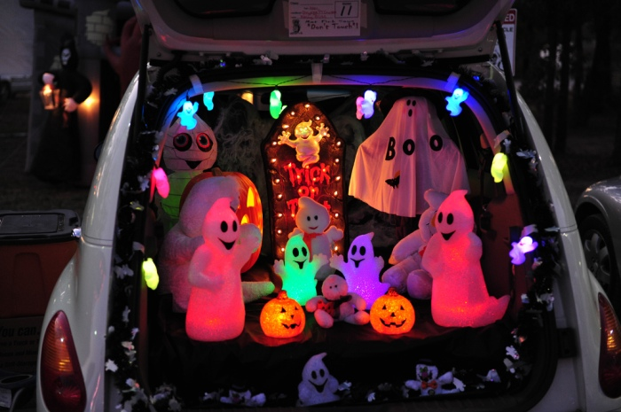 trunk-treat-car-decorations