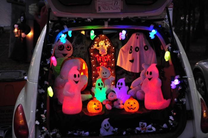 trunk-treat-car-decorations