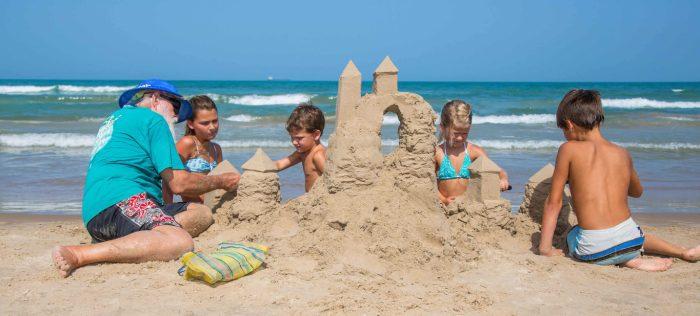 32cdf673-sandcastles-e1504901658875
